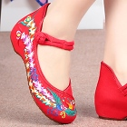 Bargain - Low-Heel Phoenix Embroidery Shoes (Red)