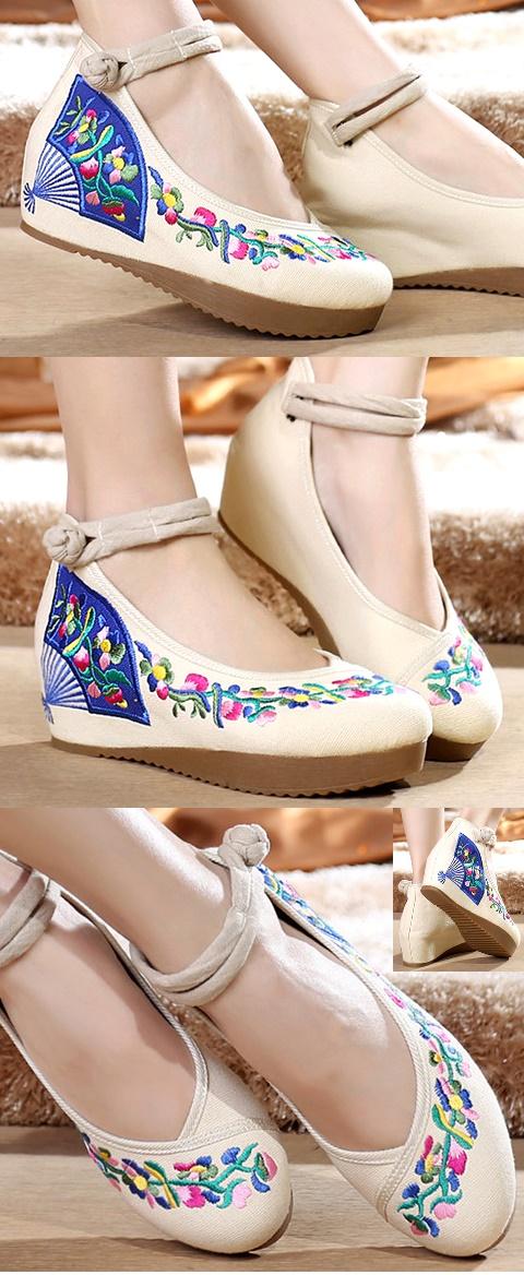 Mid Heel Fan Embroidery Shoes (Beige)