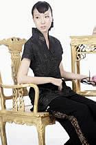 浮雕繡花短袖短旗袍(黑色)