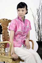 Short-sleeve Embossed Embroidery Mandarin Blouse (Pink)