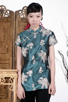 Short-sleeve Embossed Embroidery Mandarin Blouse (Green)