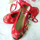 Embroidery Shoes w/ Lace - Red