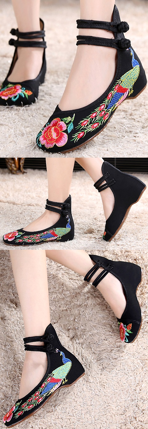 Mid Heel Peacock Embroidery Shoes (Black)