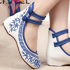 Mid Heel Bamboo Embroidery Shoes (Blue)