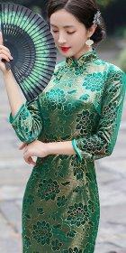 3/4-sleeve Mid-length Exquisite Velvet Cheongsam (RM)