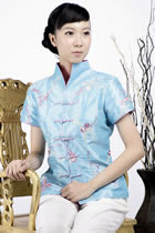 Short-sleeve Embossed Embroidery Mandarin Blouse (Light Blue)