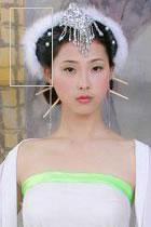 白絨毛造型頭飾